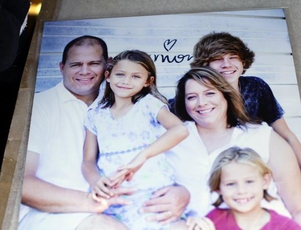 23.mai.2013 - Foto de família de Sydney Angle (segunda, da esquerda para a direita). Sydney é uma das dez crianças que morreram após tornado devastar casas, escolas e estabelecimentos comerciais em cidades de Oklahoma, EUA