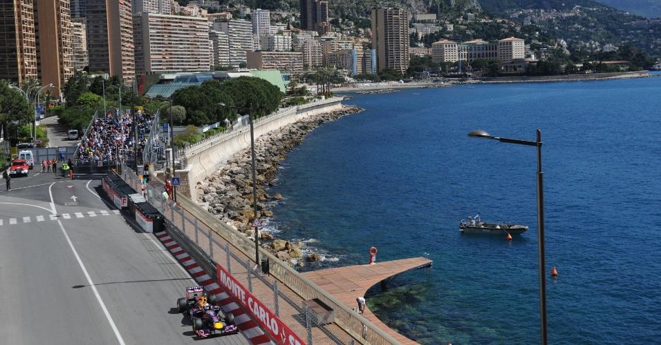 23.mai.2013 - Sebastian Vettel acelera sua Red Bull pelo circuito de rua de Monte Carlo durante os treinos livres para o GP de Mônaco