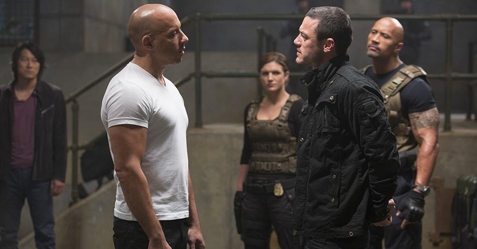 """Cena de """"Velozes e Furiosos 6"""", sequência da franquia sobre carros com direção de Justin Lee. O elenco conta mais uma vez com Paul Walker e Vin Diesel"""
