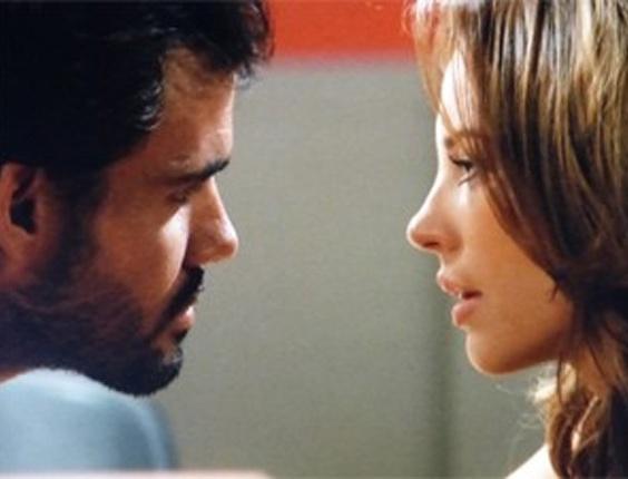 """Em """"Amor à Vida"""", Paloma visita Ninho na cadeia"""