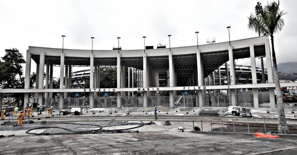 24.mai.2013 - Rampa monumental do Maracanã não foi concluída, a menos de um mês da Copa das Confederações