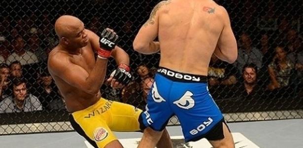 Anderson Silva e Weidman podem se enfrentar em revanche no dia 28 de dezembro