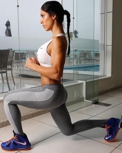 Bella Falconi - modelo fitness - avanço explosivo