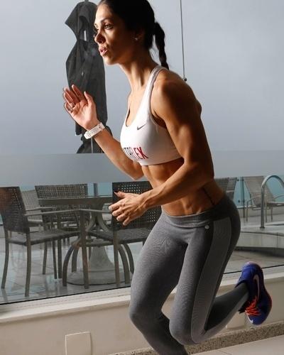 Bella Falconi - modelo fitness - skater