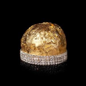 Protótipo do panetone de R$ 240 mil, feito com com ouro e diamantes