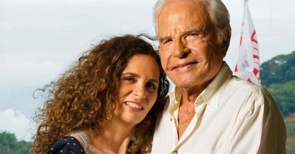 Cid Moreira fala de seus 14 anos de paixão com a mulher, Fátima Sampaio