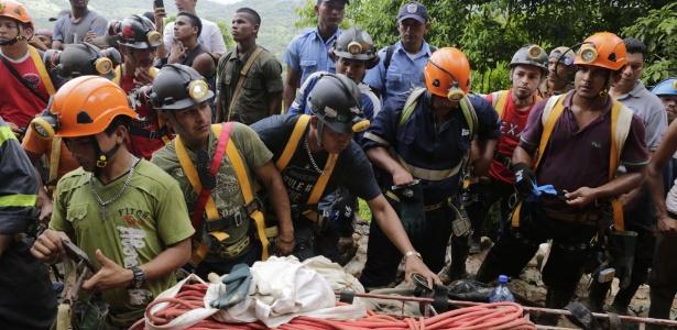 Deslizamento deixa 24 trabalhadores presos em mina na Nicarágua