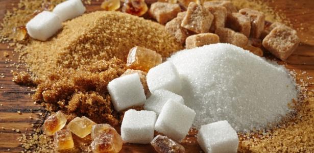 Alguns tipos de açúcar rendem melhor em caldas ou em coberturas; conheça a diferença