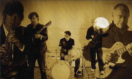 A King Crimson ProjeKct – Montagem não oficial de uma jam session com Collins e Jakszyk à esquerda