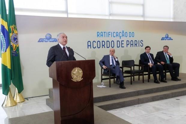 Michel Temer anuncia ratificação do Acordo de Paris. Para especialista, com afastamento de Dilma Rousseff, governo federal deve acelerar inserção do Brasil no comércio internacional de carbono. Foto: EBC