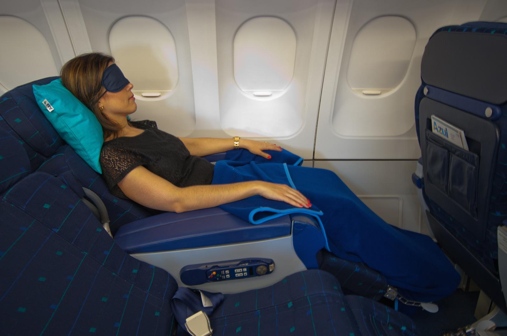 Conheça mais detalhes do serviço de bordo internacional da Azul  #087988 1627x1080 Banheiro De Avião Internacional