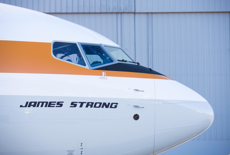 Nome oficial do B737 é James Strong, ex-CEO da Qantas e pioneiro da aviação australiana. (Divulgação)
