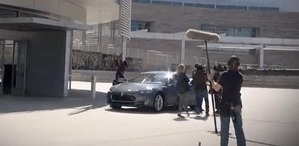 Tesla Model S é uma das estrelas do cenário de gravações de Geração Brasil nos EUA
