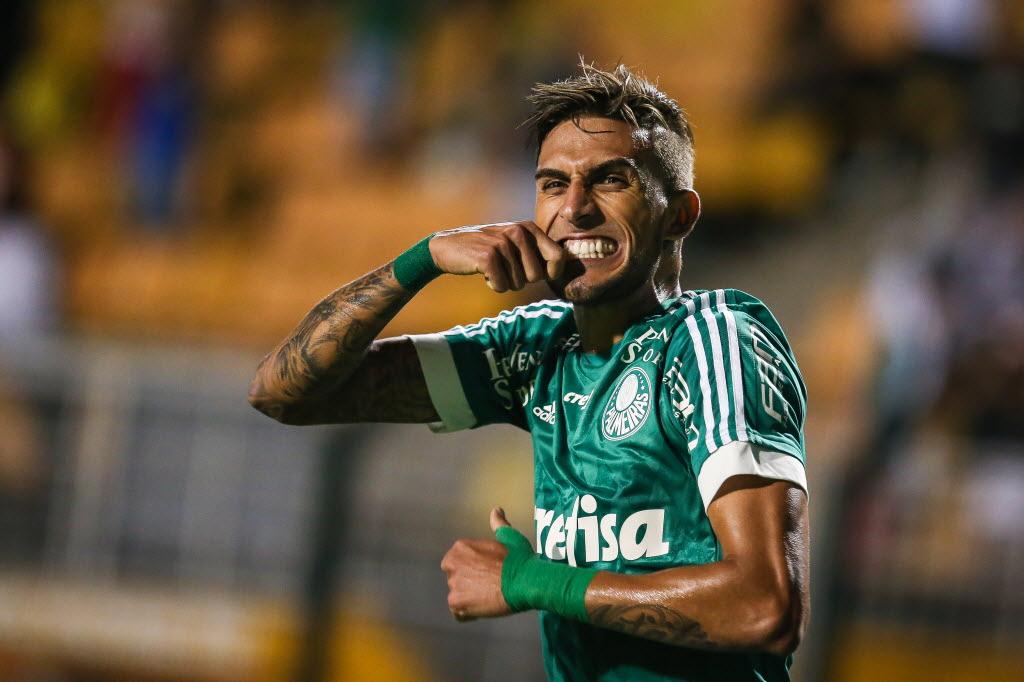 Corinthians de olho em Rafael Marques
