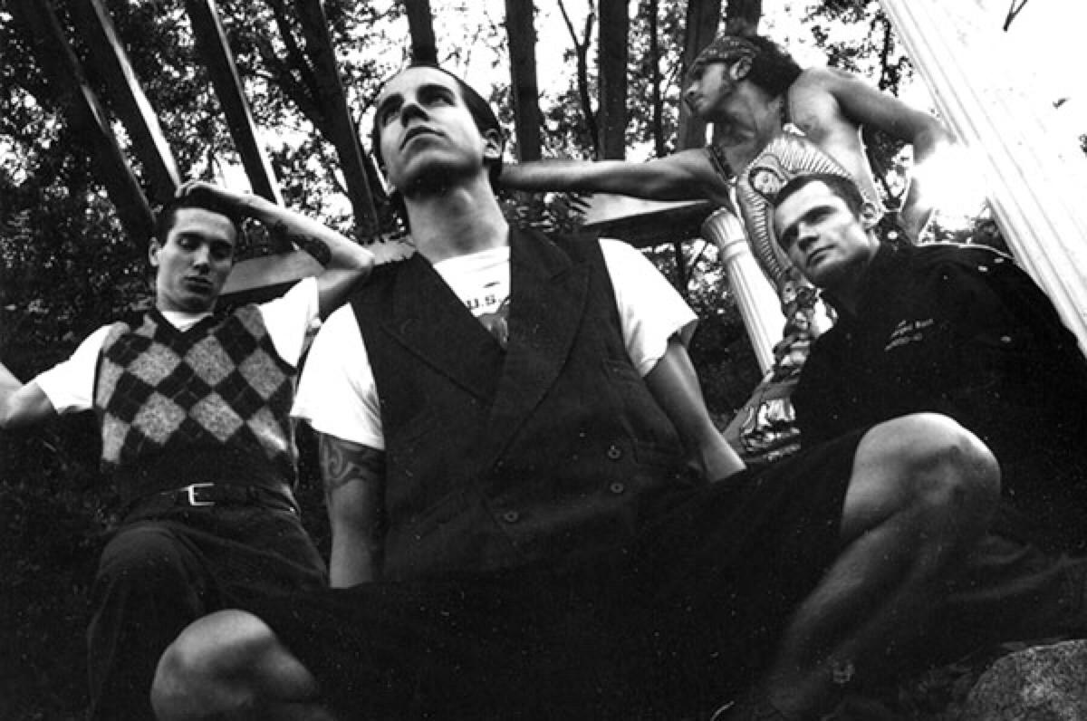 Frusciante, Kiedis, Smith e Flea