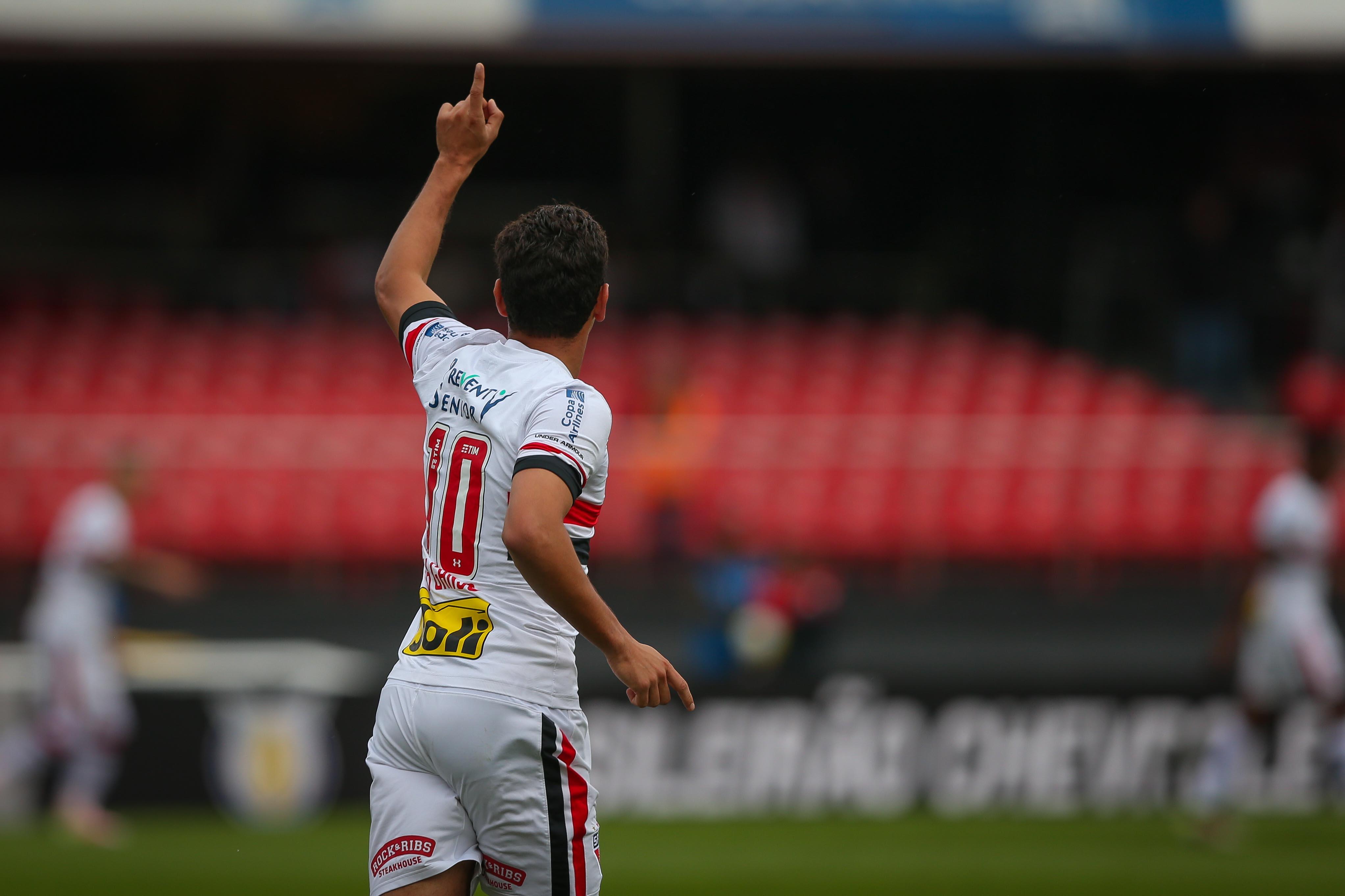 O meia Paulo Henrique Ganso comemora gol do São Paulo (Crédito: Ronny Santos/Folhapress)