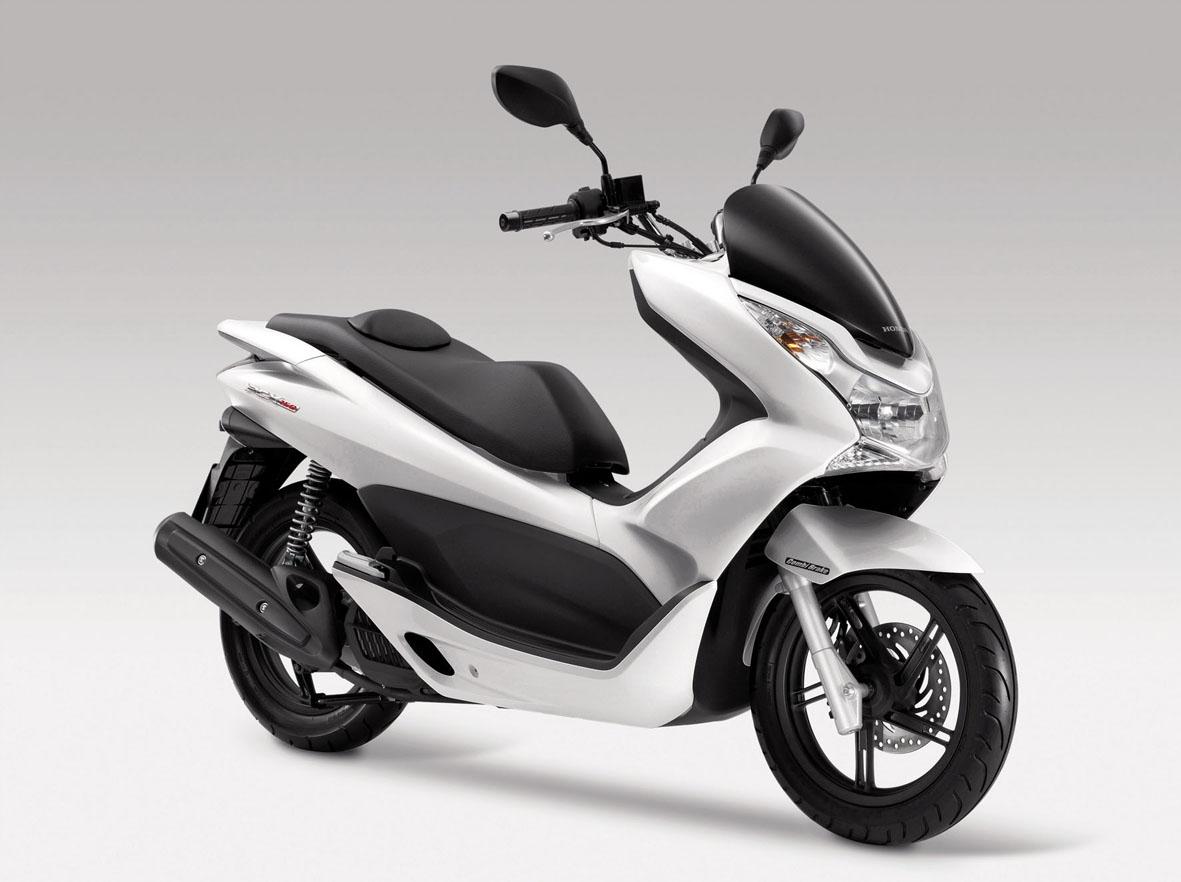 Honda Pcx 150 Chega Ao Mercado Por R 7 990 Carros Uol