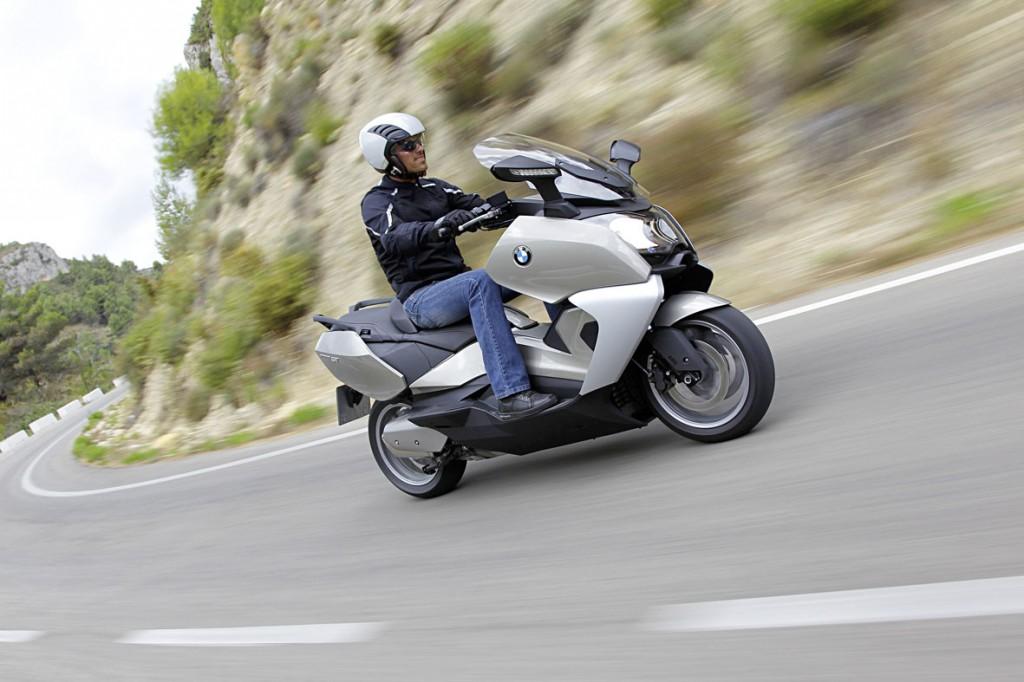 Maxi scooter BMW C650 GT chega por R$ 53.900