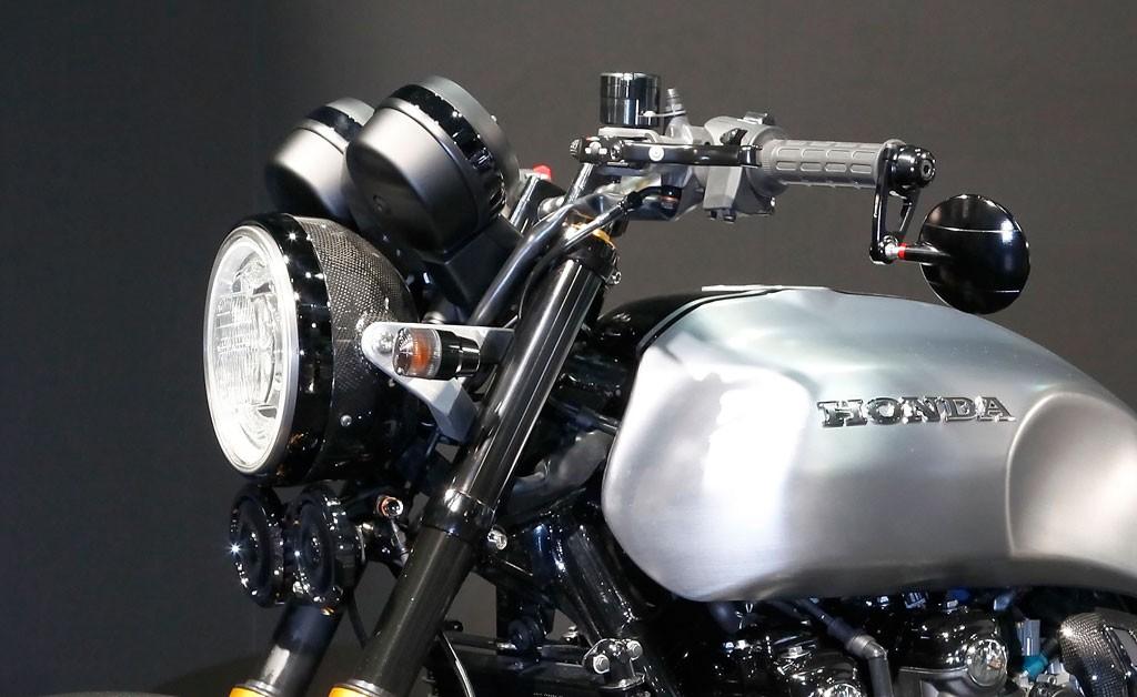 032116-honda-cb-concept-ii-headlight-handlebar