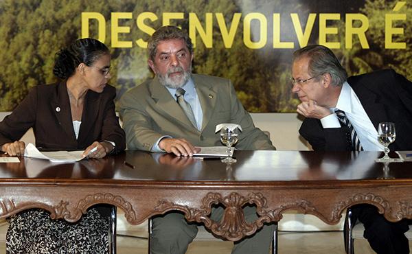 Marina, Lula e Dirceu durante lançamento de plano contra o desmatamento da Amazônia, no Palácio do Planalto, em 15.mar.2014. Foto: Jamil Bittar/Reuters