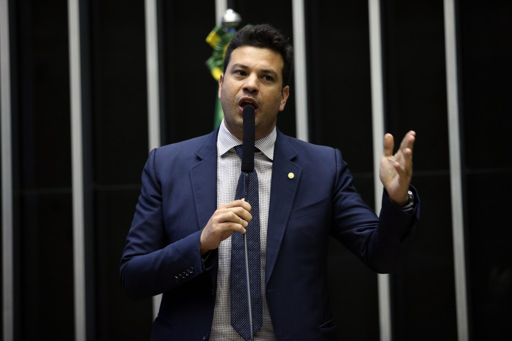 LeonardoPicciani-Ananda Borges-Camara-dos-Deputados-4nov2015