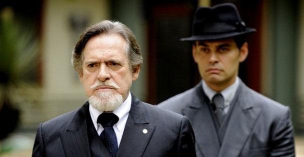 """José de Abreu (Ernest Hauser) e Carmo Dalla Vecchia (Manfred) em """"Joia Rara"""" (Foto: Divulgação/TV Globo)"""