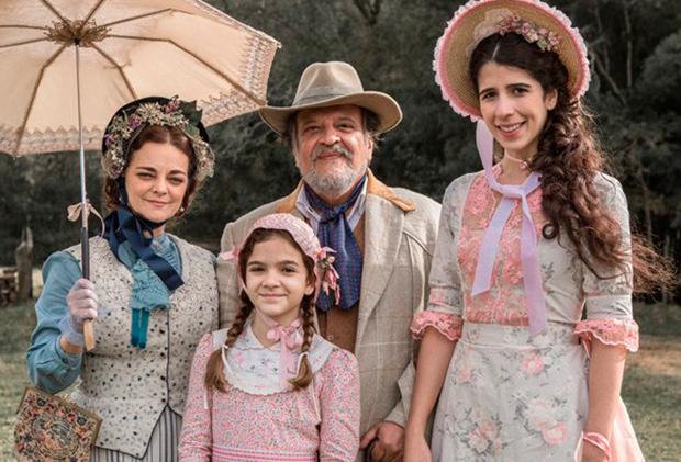 Inês Peixoto, Mel Maia, Luís Mello e Flora Diegues (Foto: Divulgação/TV Globo)