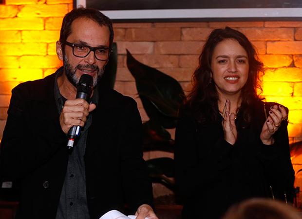 O diretor José Luiz Villamarim e a autora Manuela Dias no lançamento da minissérie (Foto: Ellen Soares/Gshow)