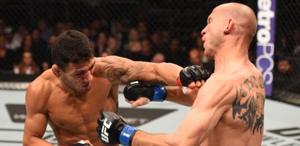 Rafael dos Anjos enfrenta Donald Cerrone, adversário 10 cm mais alto. (Crédito: Josh Hedges/Zuffa LLC/Zuffa LLC via Getty Images)