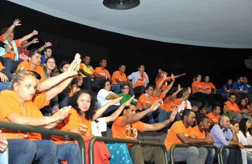 Agentes de saúde nas galerias da Câmara (Foto: Luís Macedo/ABr)