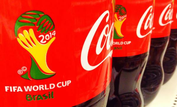 Coca-Cola afirma ter compromisso global de respeito às leis locais sobre horas trabalhadas (Foto: Mike Mozart / CC)