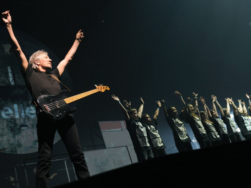 "Roger Waters interpreta ""The Wall"" em Berlim, Alemanha"