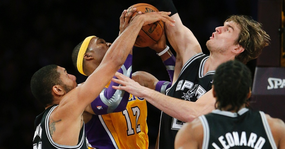 Vale tudo contra Dwight Howard