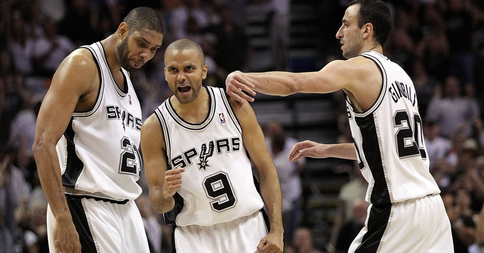 Tony Parker e os velhinhos vibram