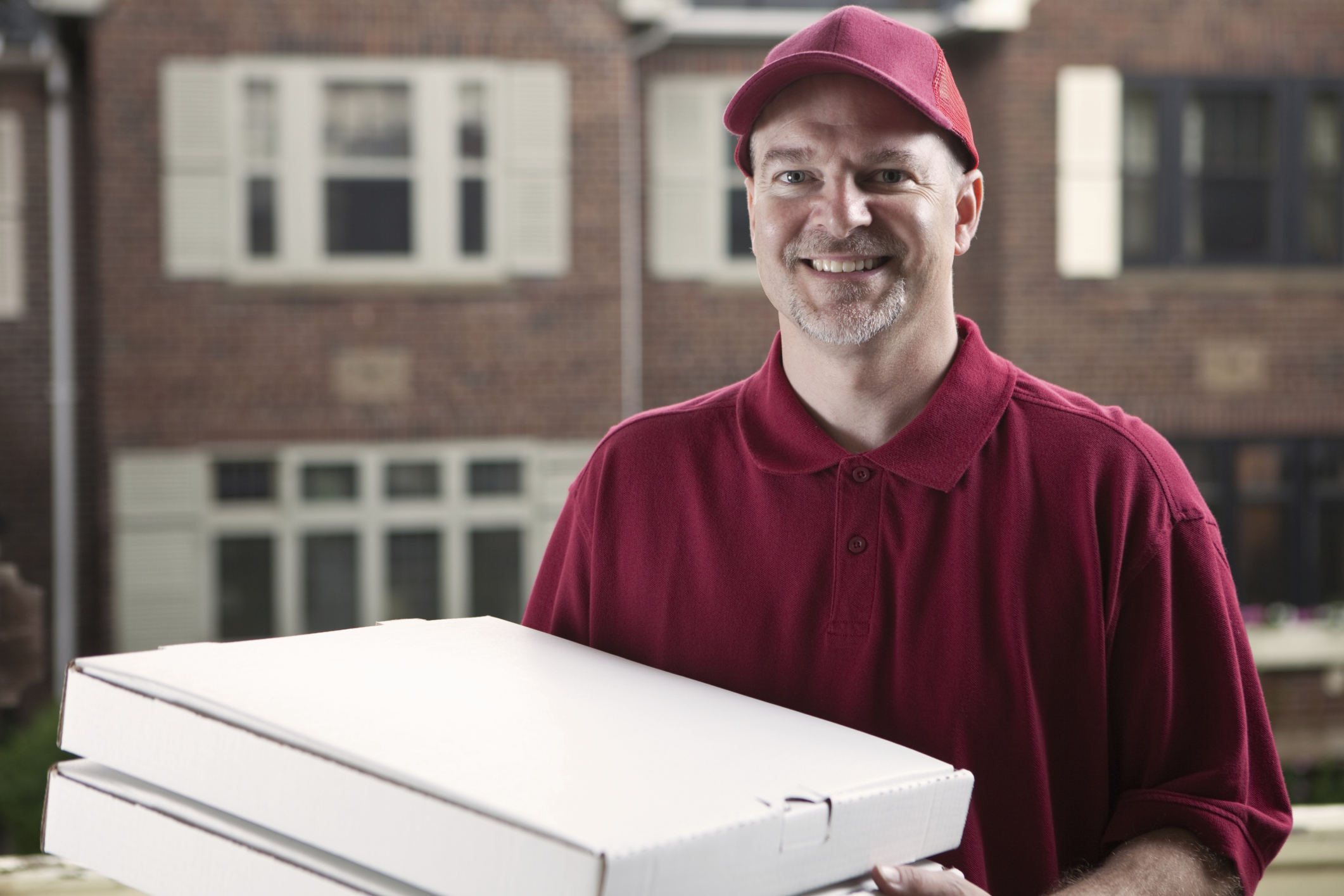 Соблазнила доставщика пиццы