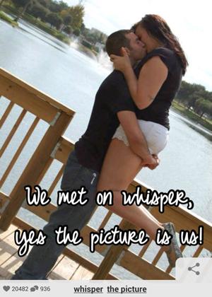 Post publicado no Whisper diz que casal da foto se conheceu via aplicativo