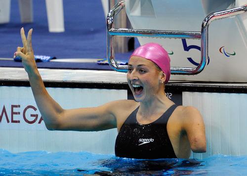 A nadadora Olesya Vladykina, campeã patralímpica em Londres - Foto: Reprodução