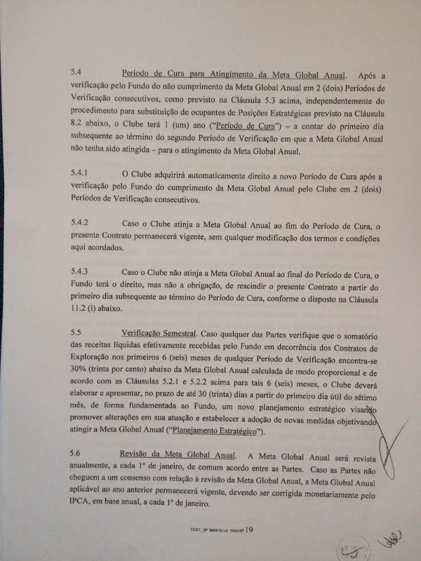 Cláusula 5.4.3 diz que o fundo pode rescindir o contrato com o Corinthians caso clube não atinja meta de receita anual por três anos