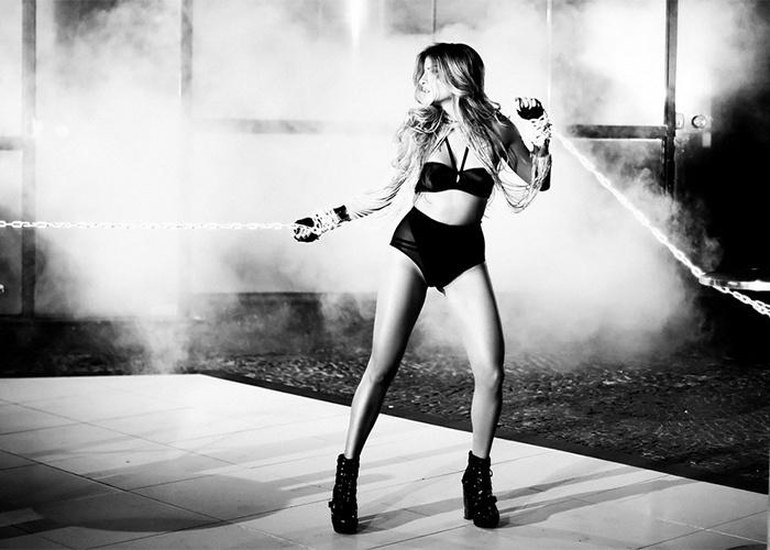 13.set.2013 - A cunhada gata da cantora Ivete Sangalo revelou que sua experiência de vida a deixou mais segura. Miss Cady já trancou duas faculdades - de Letras e de Administração -, foi vendedora de loja em São Paulo, fez intercâmbios e uma turnê de música eletrônica na Índia