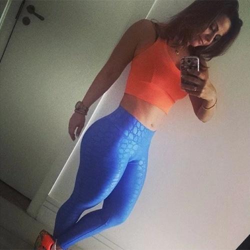 12.dez.2013 - Viviane Araújo acordou cedo e postou uma imagem pronta para a academia na manhã desta quinta-feira.