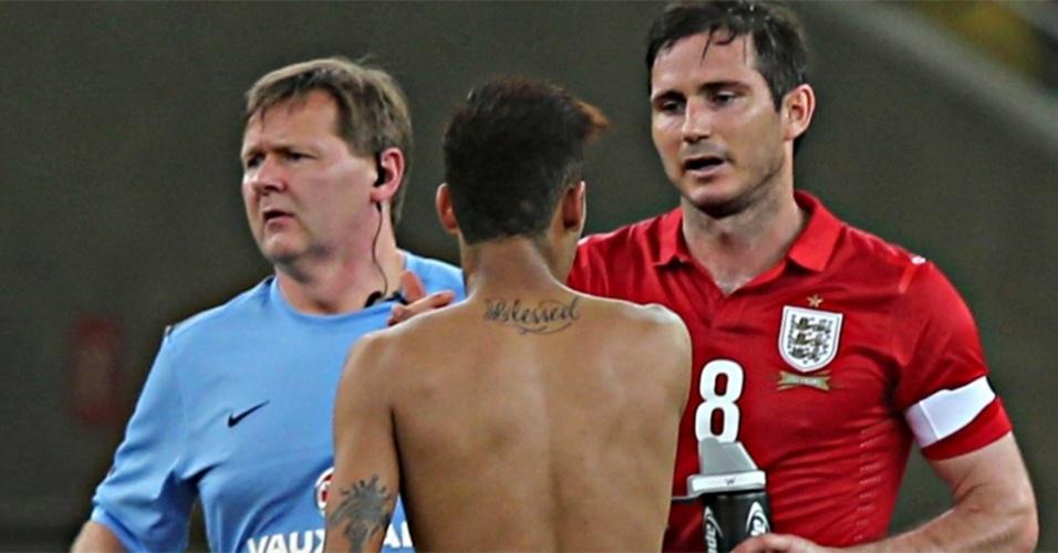 Tatuagem de Neymar nas costas