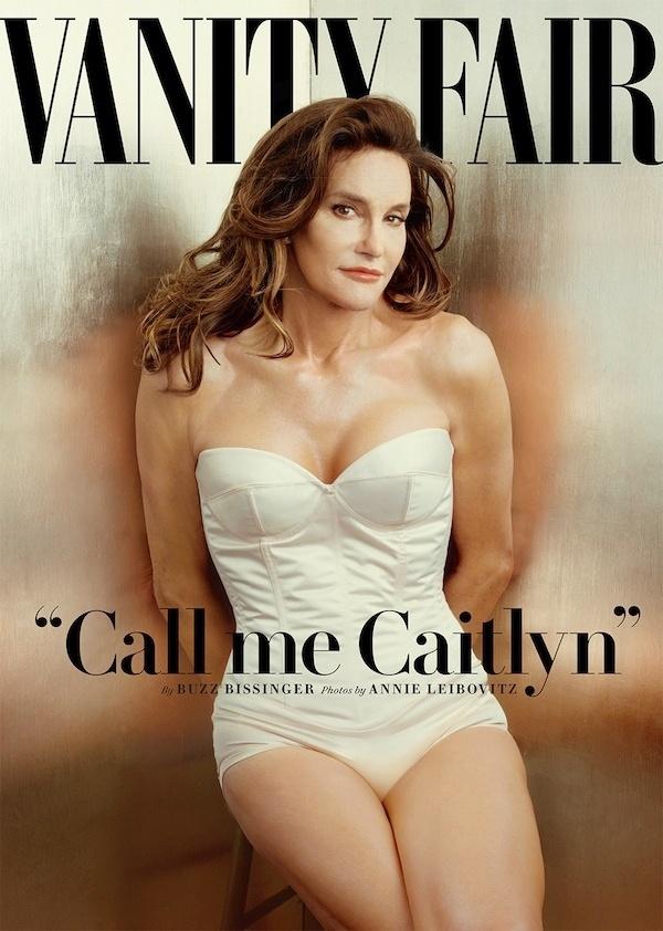 1.jun.2015 - Vestindo um body e maquiada, Bruce Jenner, ex-padrasto de Kim Kardashian, é capa da revista