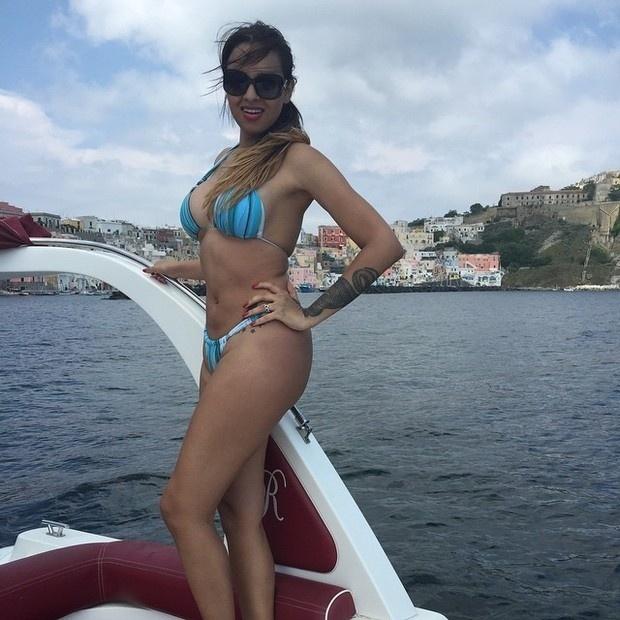 8.jun.2015 - Ariadna não deixou de ostentar no Instagram mesmo com o visual mais encorpado. A transexual, que ficou famosa no país ao participar do