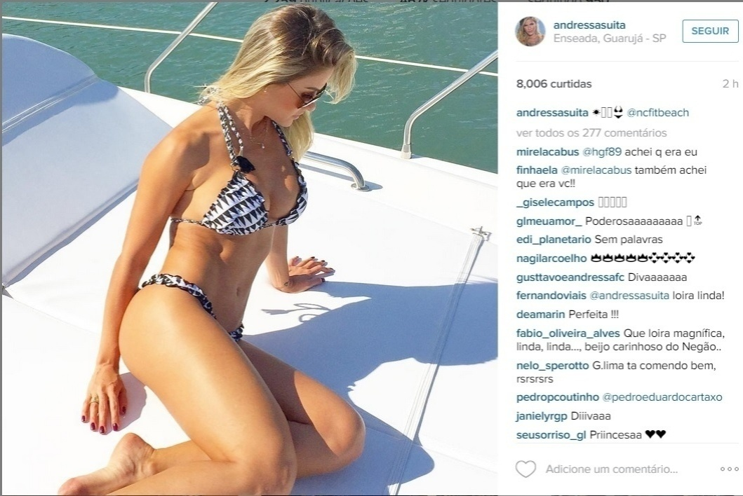 14.jul.2015 - Noiva do cantor Gusttavo Lima, Andressa Suita compartilhou uma imagem no seu Instagram na tarde desta terça-feira em que aparece de biquíni exibindo o seu corpão. Em poucos minutos, Andressa recebeu vários elogios na rede social.