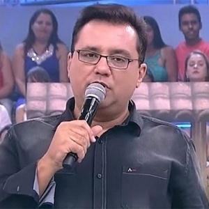 Boa audiência aos domingos leva Record a renovar com Geraldo Luís