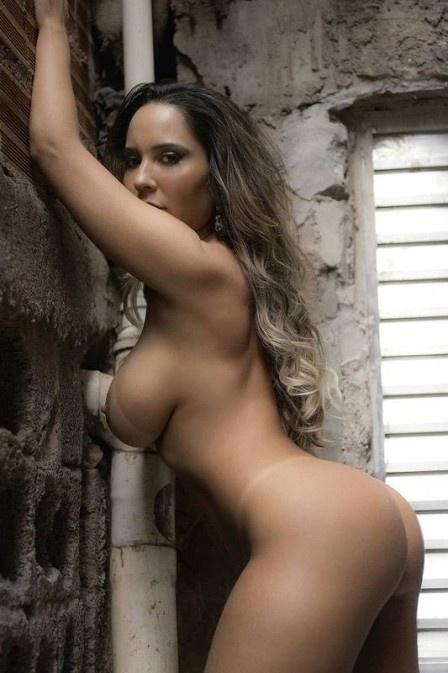 18.jun.2016 - Quanto você acha que valeria um ensaio nu feito pela Mulher Melão para a revista