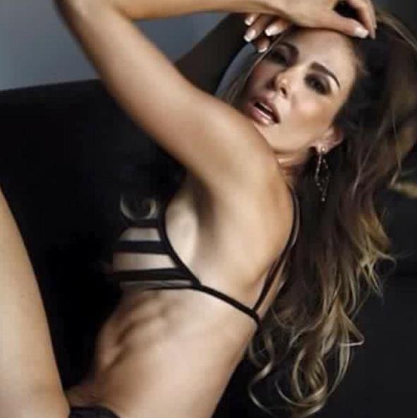 18.mai.2016 - Luciana Gimenez abusou da sensualidade ao postar uma foto em que aparece com uma lingerie transparente nas redes sociais. A apresentadora provocou os seguidores no Instagram.