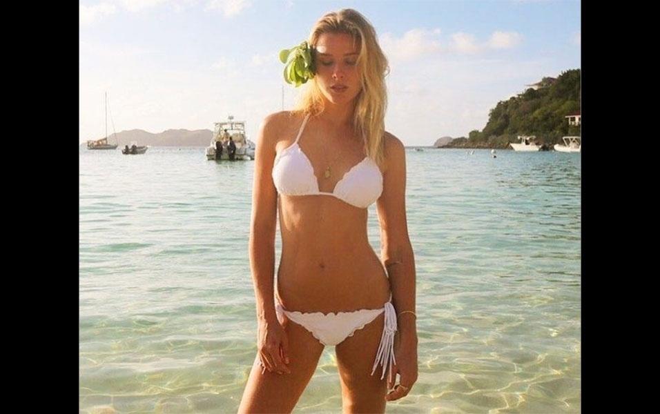 14.jun.2016 - A modelo Fiorella Mattheis, que está morando em Londres ao lado do namorado e jogador Alexandre Pato, do Chelsea,