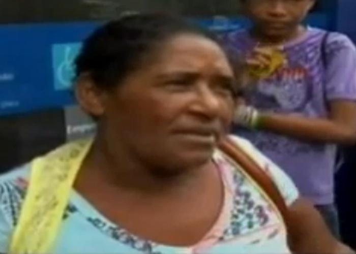Sexta-feira (24.mai.2013) - O vídeo que mostra uma mulher reclamando que o dinheiro do Bolsa Família não é suficiente para comprar uma calça de R$ 300 para sua filha de 16 anos virou febre na internet e já tem mais de 2 milhões de visualizações no YouTube. A dona de casa Francisca, moradora de São Luís, no Maranhão, aparece dando uma entrevista que foi ao ar na segunda-feira (20) nos telejornais da TV Cidade, afiliada da Record.