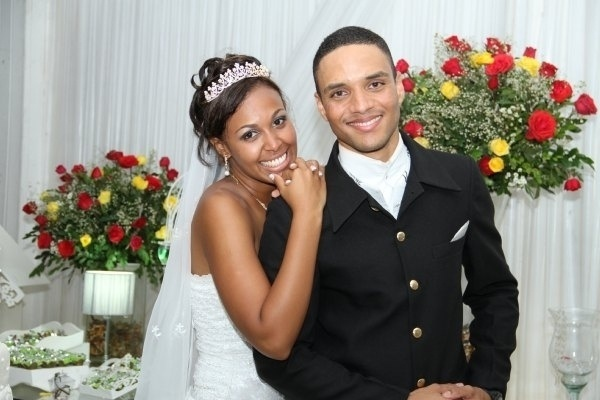 Raphael da Silva Guimarães e Liliane F. de Mendonça Guimarães casaram no Rio de Janeiro no dia 17 de dezembro de 2011.